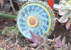 How to Make Flower Plate Garden Art 39 Awesome Glass Yard Art Inspiring Home Decor