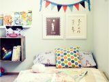 Montessori Floor Beds for toddlers Quarto Montessoriano Em Cinco Passos toddler Bed Mattress and