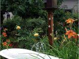 Outdoor Metal Bathtub Claw Foot Cast Iron Tub as Garden Fountain