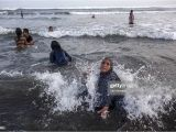 Types Of Ritual Bath In islam Javanese Muslims Take A Bath On the Beach as they Prepare