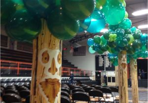 Wizard Of Oz Decoration Ideas Balloon Trees for A Wizard Of Oz themed Homecoming Dance