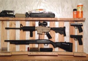 Wood Gun Rack Plans Diy Gun Rack Out Of Wooden Pallet Home Decor Pinterest Wooden