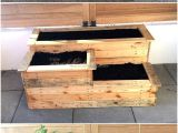 Wooden Flower Boxes for the Decoration Lovers Here is An Idea for Decorating the Home